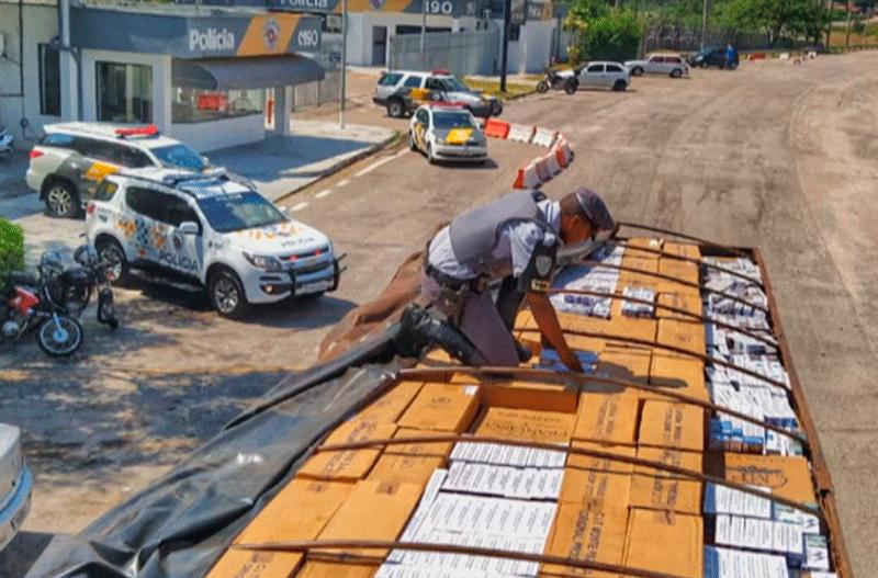 Polícia Rodoviária apreende 450 mil maços de cigarro