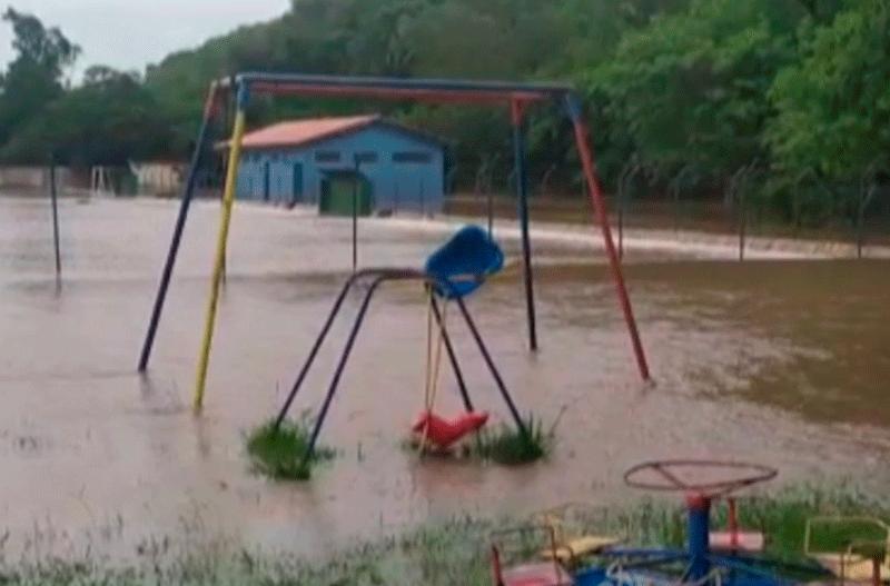 Porangaba decreta situação de emergência e cancela Carnaval por conta das chuvas