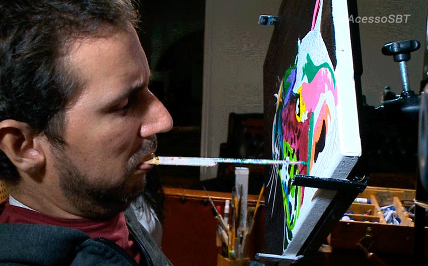 Acesso entrevista artista plástico que pinta com a boca