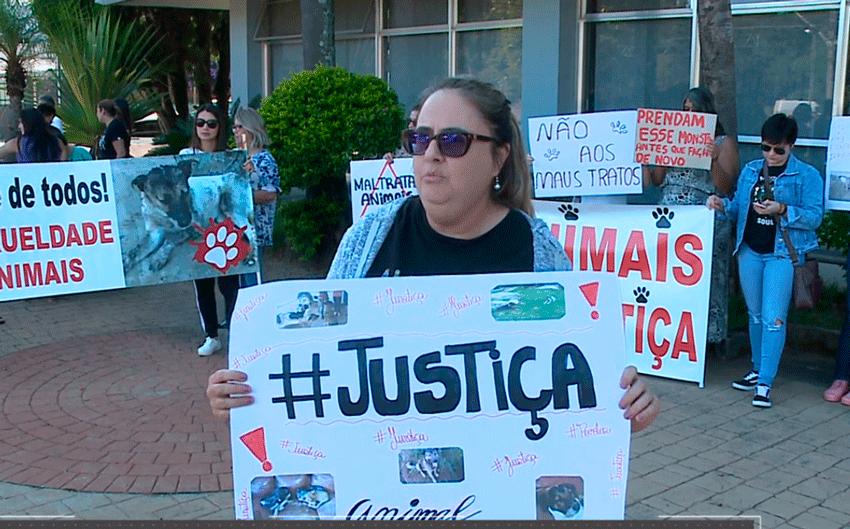 Protesto em defesa dos animais em Piedade